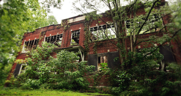Photo of Thorpe School in Thorpe, West Virginia, by Rana Xavier/FlickrCC